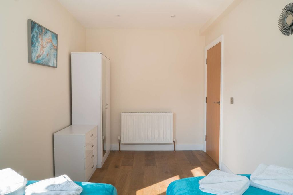 image 8 furnished 2 bedroom Apartment for rent in Ealing, Ealing
