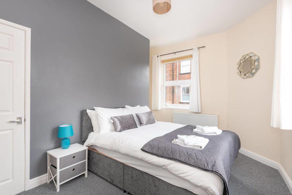 image 2 furnished 1 bedroom Apartment for rent in Leeds, West Yorkshire