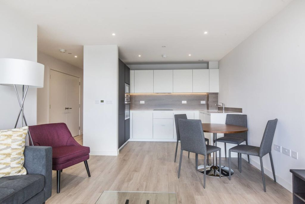 image 6 furnished 2 bedroom Apartment for rent in Harringay, Haringey