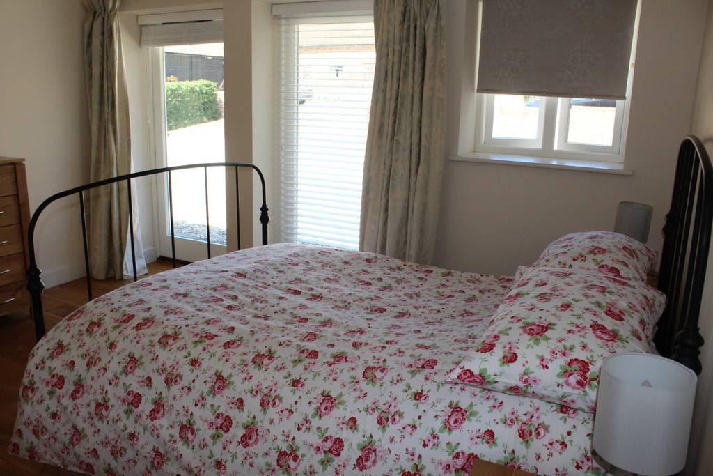 image 1 furnished 1 bedroom Apartment for rent in West Berkshire, Berkshire