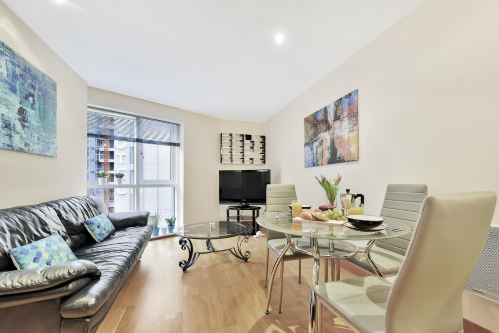 image 4 furnished 2 bedroom Apartment for rent in Limehouse, Tower Hamlets