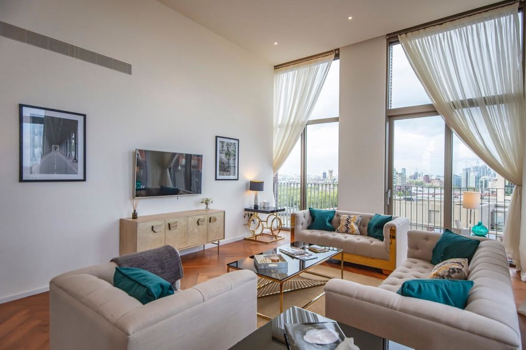 image 1 furnished 3 bedroom Apartment for rent in Wandsworth, Wandsworth