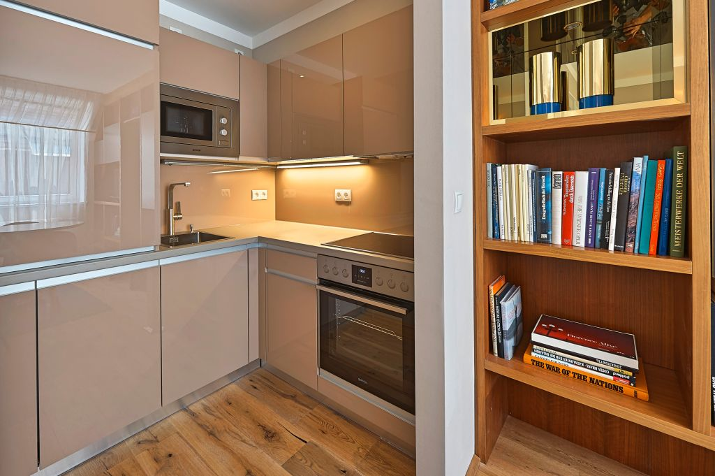 image 5 furnished 1 bedroom Apartment for rent in Innere Stadt, Vienna