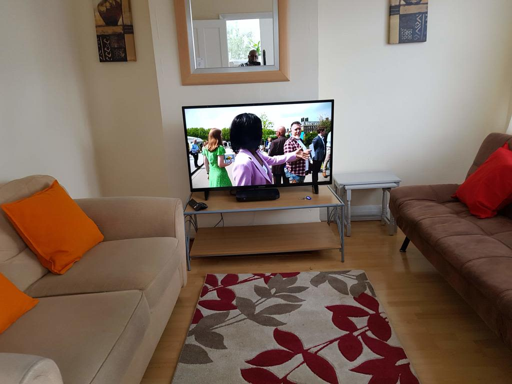 image 2 furnished 3 bedroom Apartment for rent in Luton, Bedfordshire