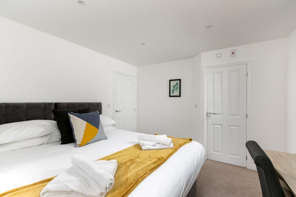 image 4 furnished 2 bedroom Apartment for rent in East Hertfordshire, Hertfordshire
