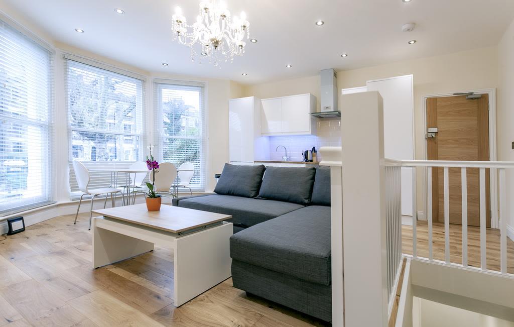 image 3 furnished 2 bedroom Apartment for rent in Cricklewood, Barnet