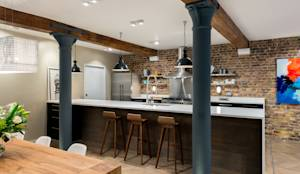 Cucina in stile Industrial di Will Eckersley