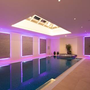 Swimming pool : Modern pool by Flairlight Designs Ltd