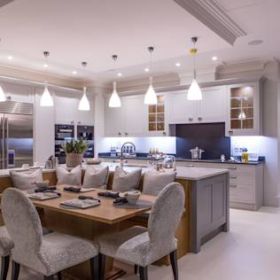 Flairlight Project 1 Oxshott, Tudor House : Modern kitchen by Flairlight Designs Ltd