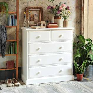 Burford Painted 2+3 Drawer Narrow Chest : Camera da letto rurale di The Cotswold Company