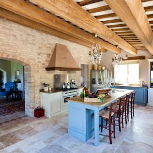 Rustic style kitchen by Ing. Vitale Grisostomi Travaglini