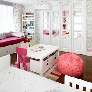 EC HOUSE : Modern nursery/kids room by Esra Kazmirci Mimarlik