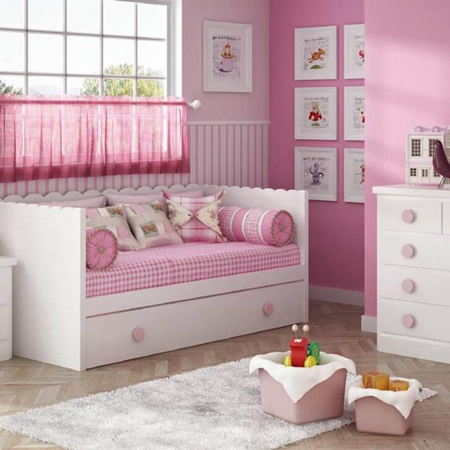 Dormitorio infantil. : Beds & cribs by Muebles Noel Ibiza SL