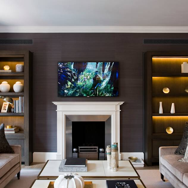Duke Street, Mayfair : Classic style living room by Perfect Integration