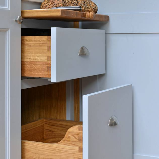 'Vivid Classic' Kitchen—bread drawer and pull out shelf : Classic style kitchen by Vivid line furniture ltd