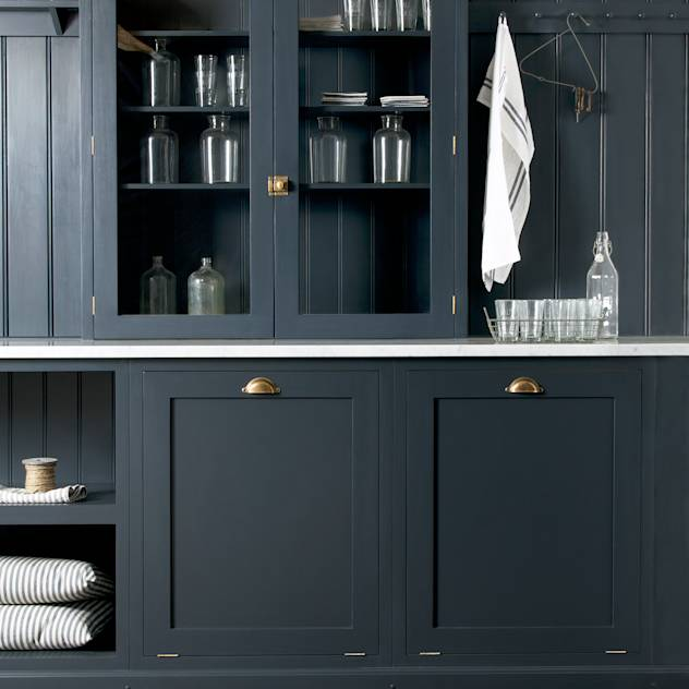 The Cotes Mill Utility Room by deVOL : Rustic style kitchen by deVOL Kitchens