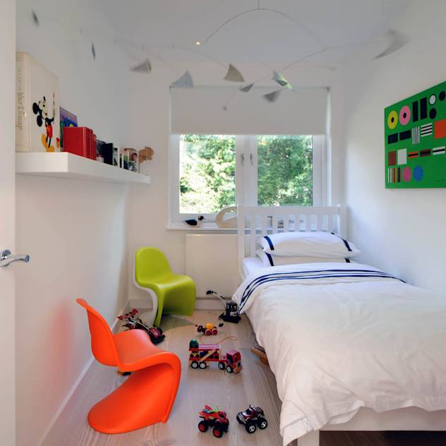 Children's Bedroom: Modern Nursery/kid's room by TG Studio