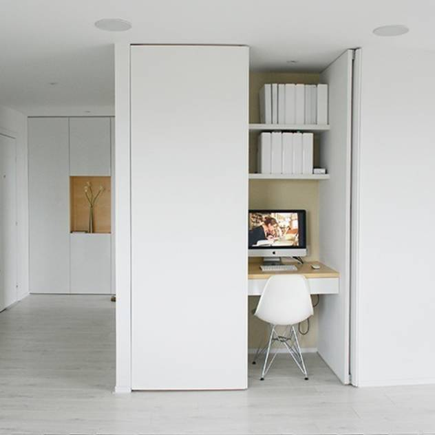 Modern study/office by Martin Gasc