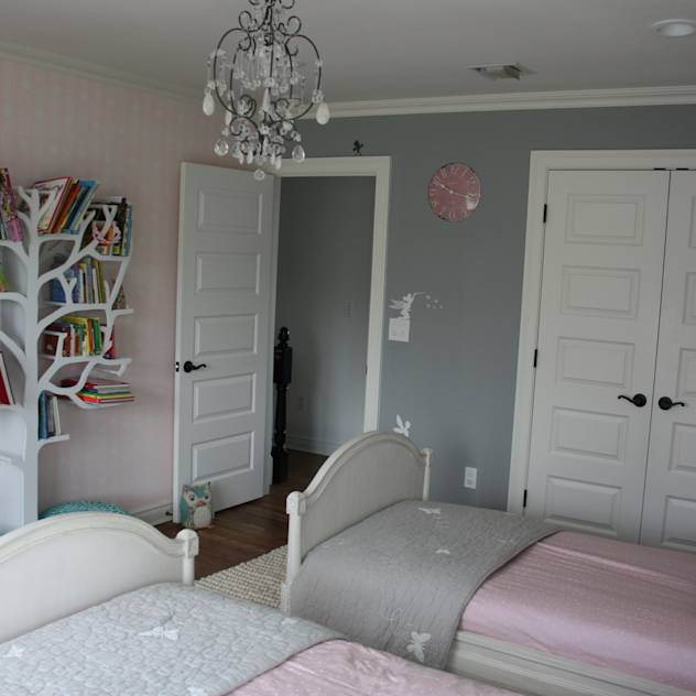 Girls' Bedroom : Modern nursery/kids room by Room Service UK
