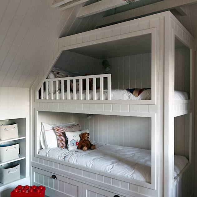 Children's Bedroom : Modern nursery/kids room by Studio Duggan