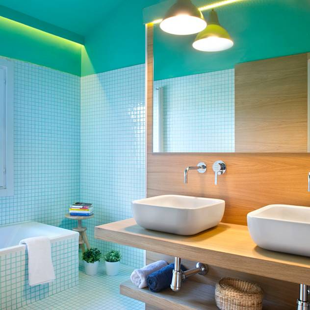 Modern bathroom by Egue y Seta