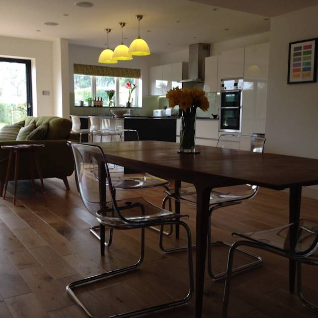 Dining room : Tables by Hagley stoves