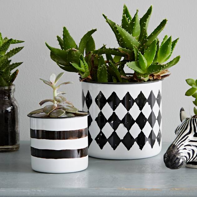 Black and White Enamel Pot : Artigos para a casa por rigby & mac