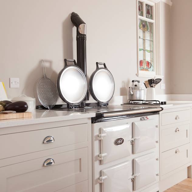 Aga : Classic style kitchen by Chalkhouse Interiors