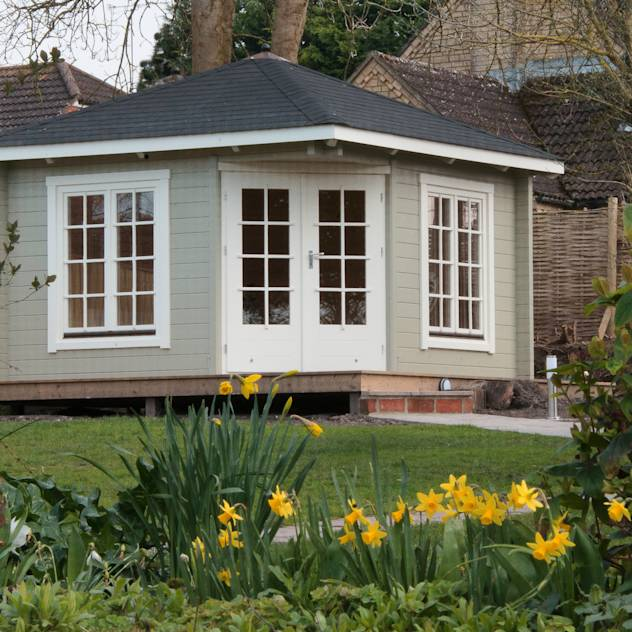 Garden Room : Classic style garden by Garden Affairs Ltd