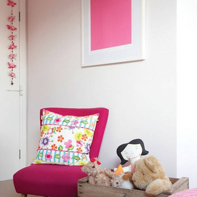 A Victorian Terraced House : Classic style nursery/kids room by Heart Home magazine