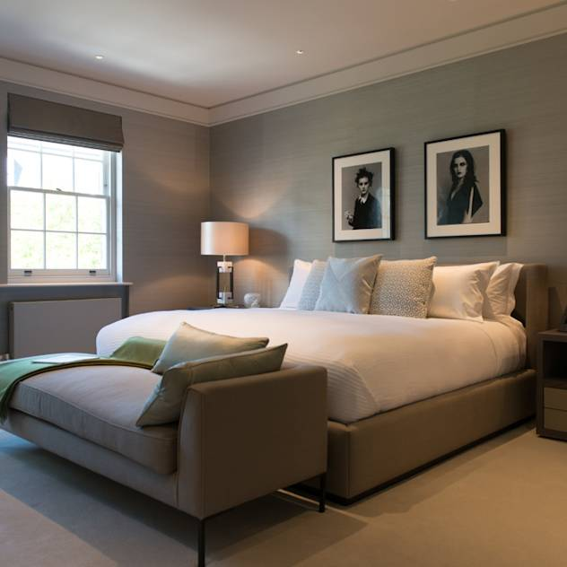 ​Bedroom at Bedford Gardens house. : Dormitorios de estilo moderno de Nash Baker Architects Ltd