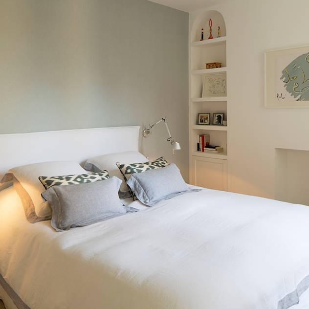 BIDDULPH MANSIONS, MAIDA VALE : Modern bedroom by Ardesia Design