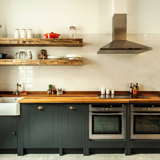 W10 Kitchen by British Standard : Rustic style kitchen by British Standard by Plain English