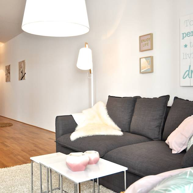 Salas de estar translation missing: pt.style.salas-de-estar.moderno por Karin Armbrust – Home Staging
