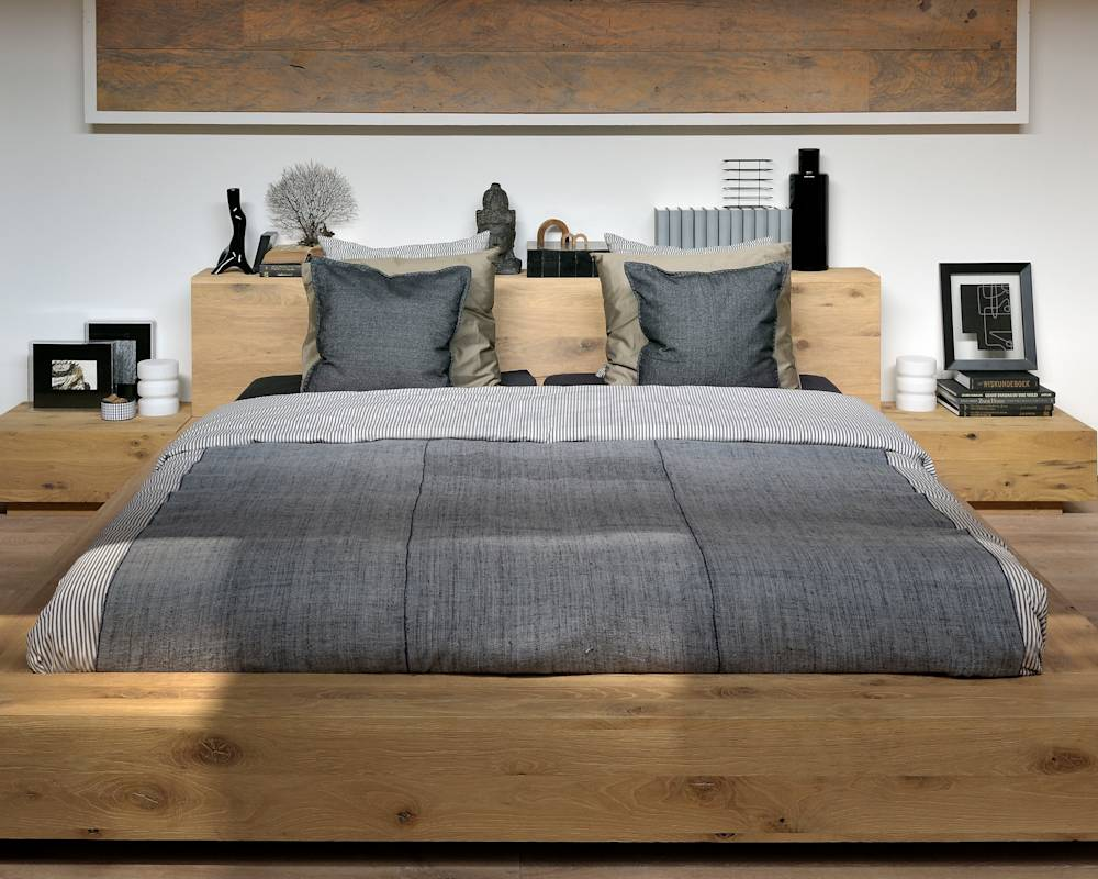 Oak Madra Bed : Dormitorios Escandinavo de bolighus design