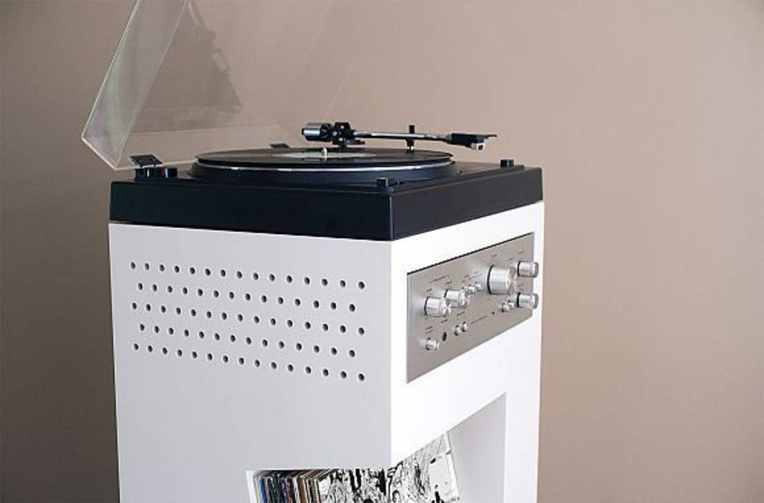 Design malin tout en un for Meuble platine vinyle