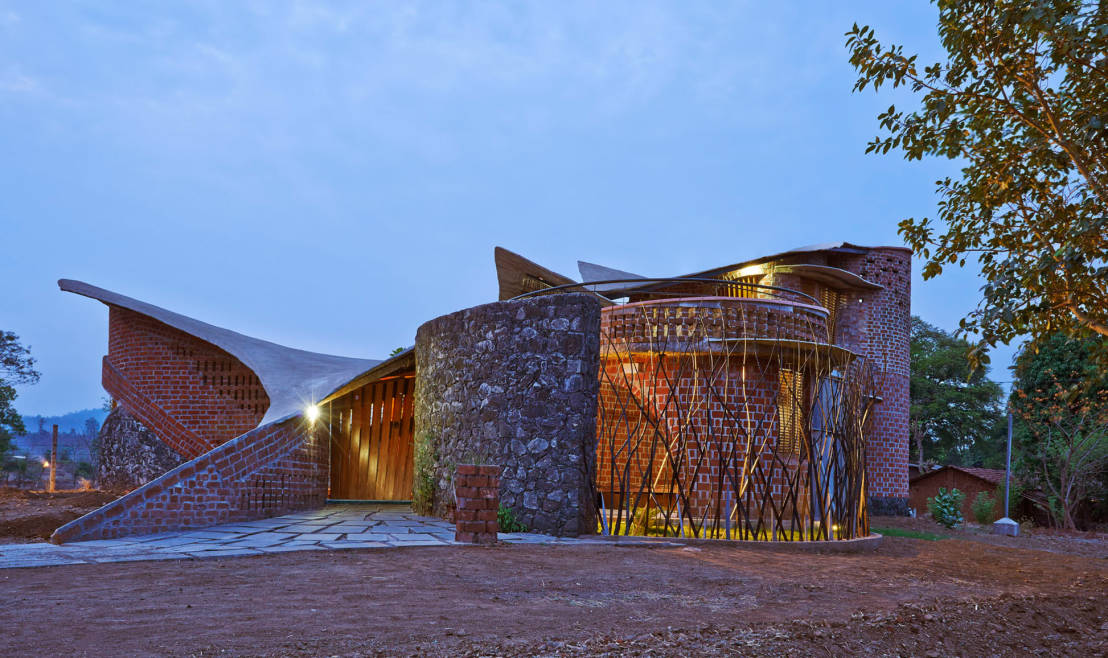 La brick house en inde for I studio architecture