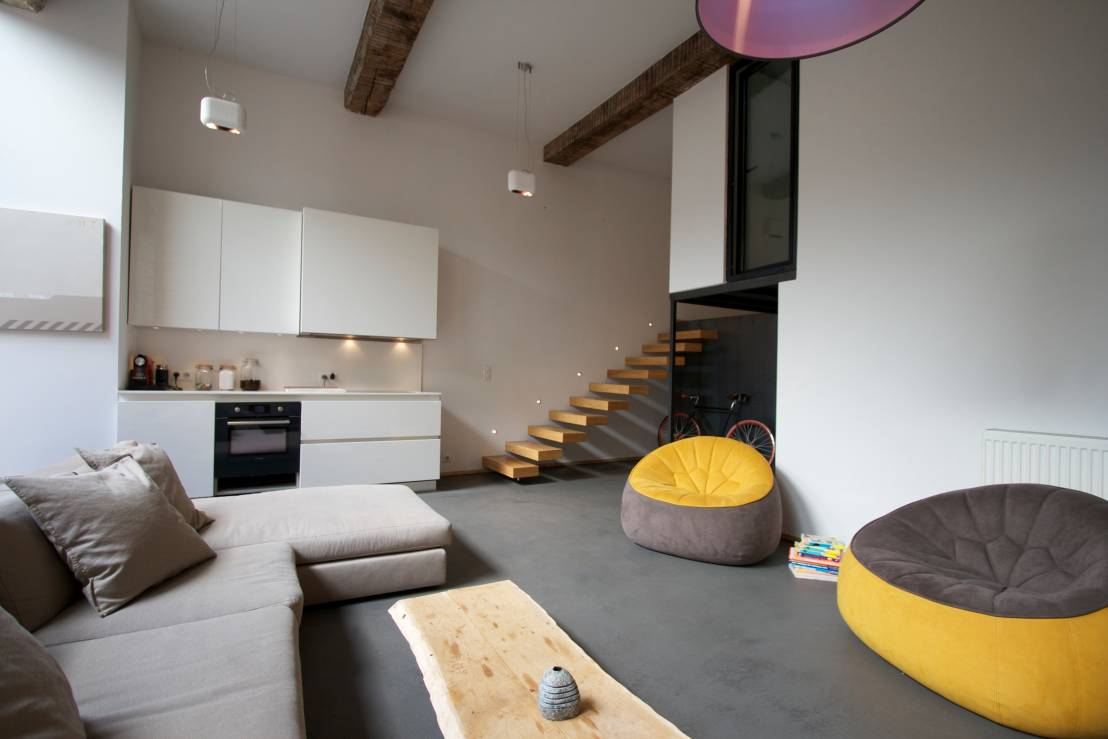 7 ideas con puffs para salas modernas for Idea de muebles quedarse