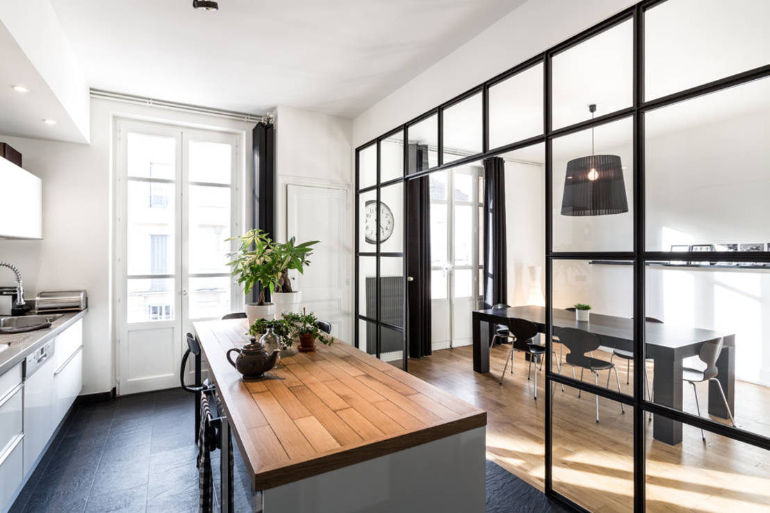 Creative ways to separate your kitchen and dining room for How to divide a kitchen and living room