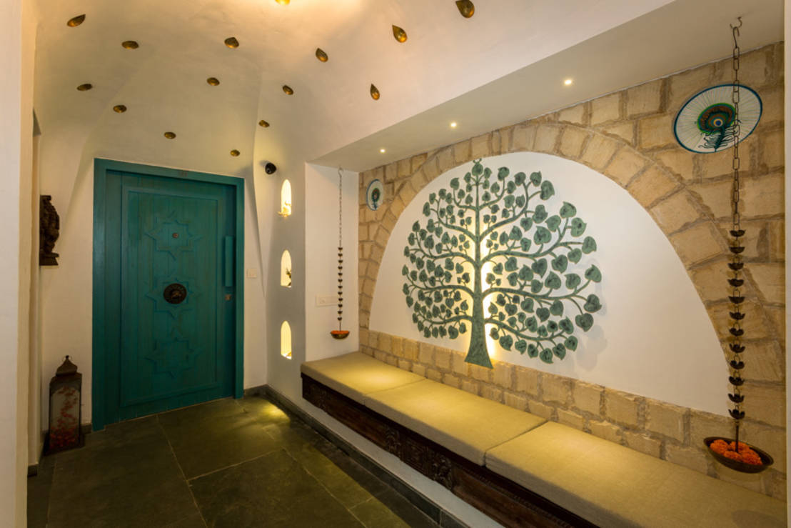 A fantastic indian apartment for Foyer design ideas india