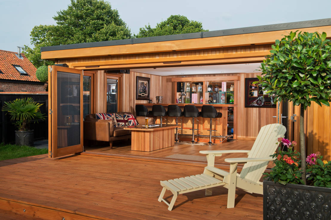 6 ultimate backyard retreats for Garden shed bar