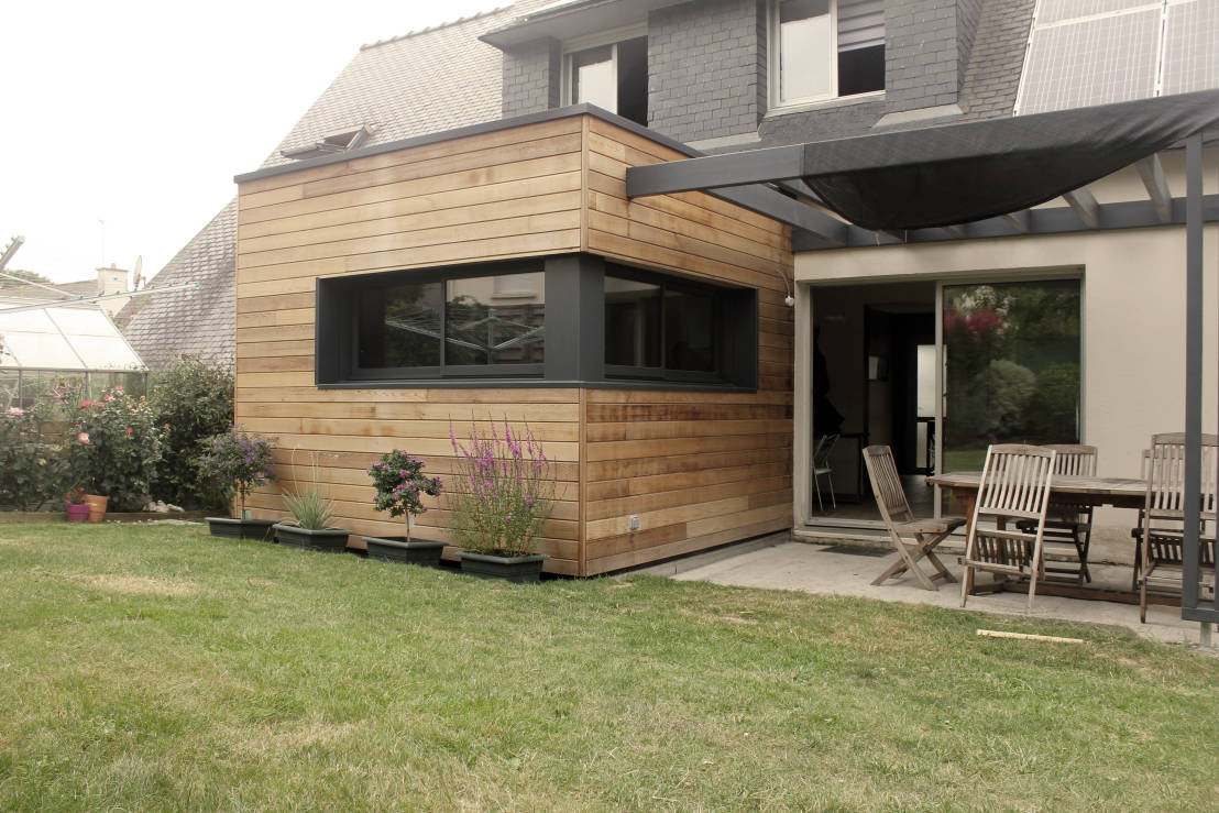 10 incroyables extensions de maison en bois for Extension maison en u