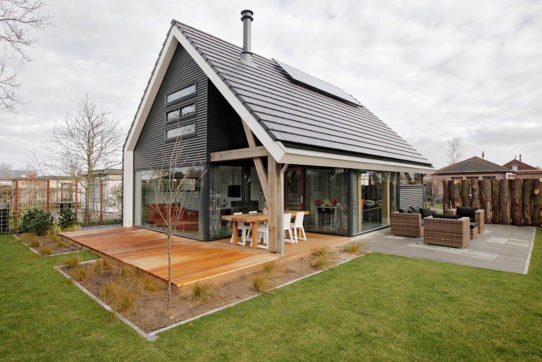 Homify 360 moderne recreatiewoning in renesse - Outs zwembad in de tuin ...