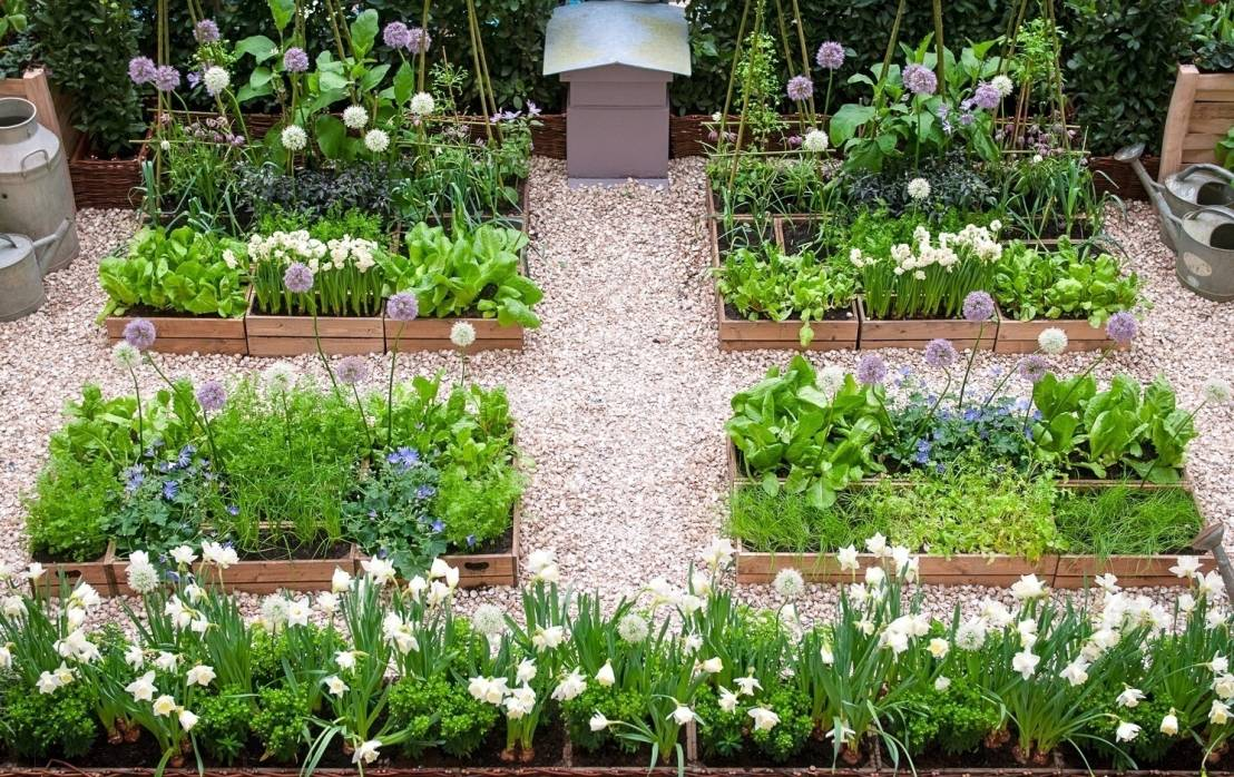 10 dise os r sticos para jardines peque os for Ideas para decorar un jardin rustico