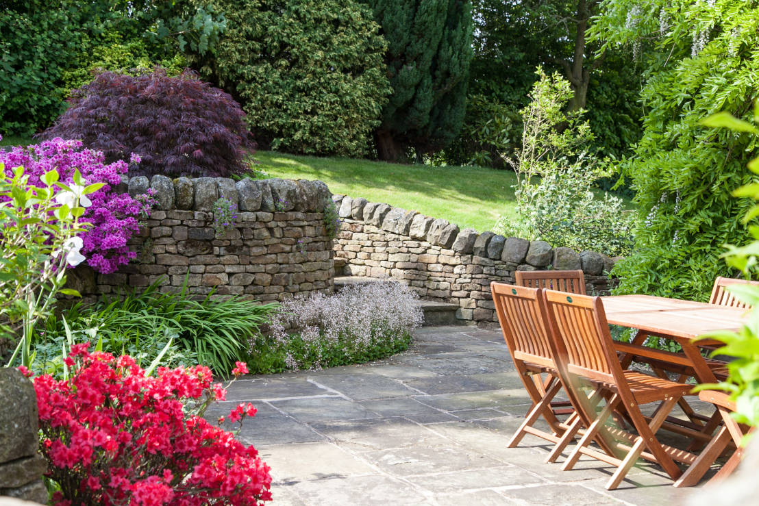 Create your own english country garden for Landscaping your own garden