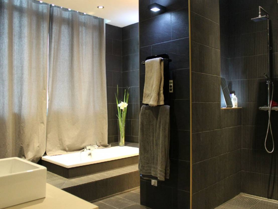 comment carreler sa salle de bain. Black Bedroom Furniture Sets. Home Design Ideas