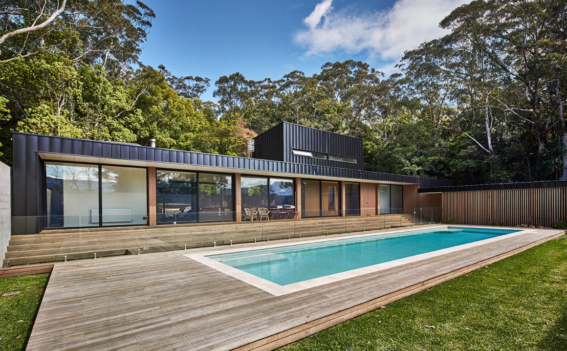 The showstopping mansion built overnight for Modular pool house