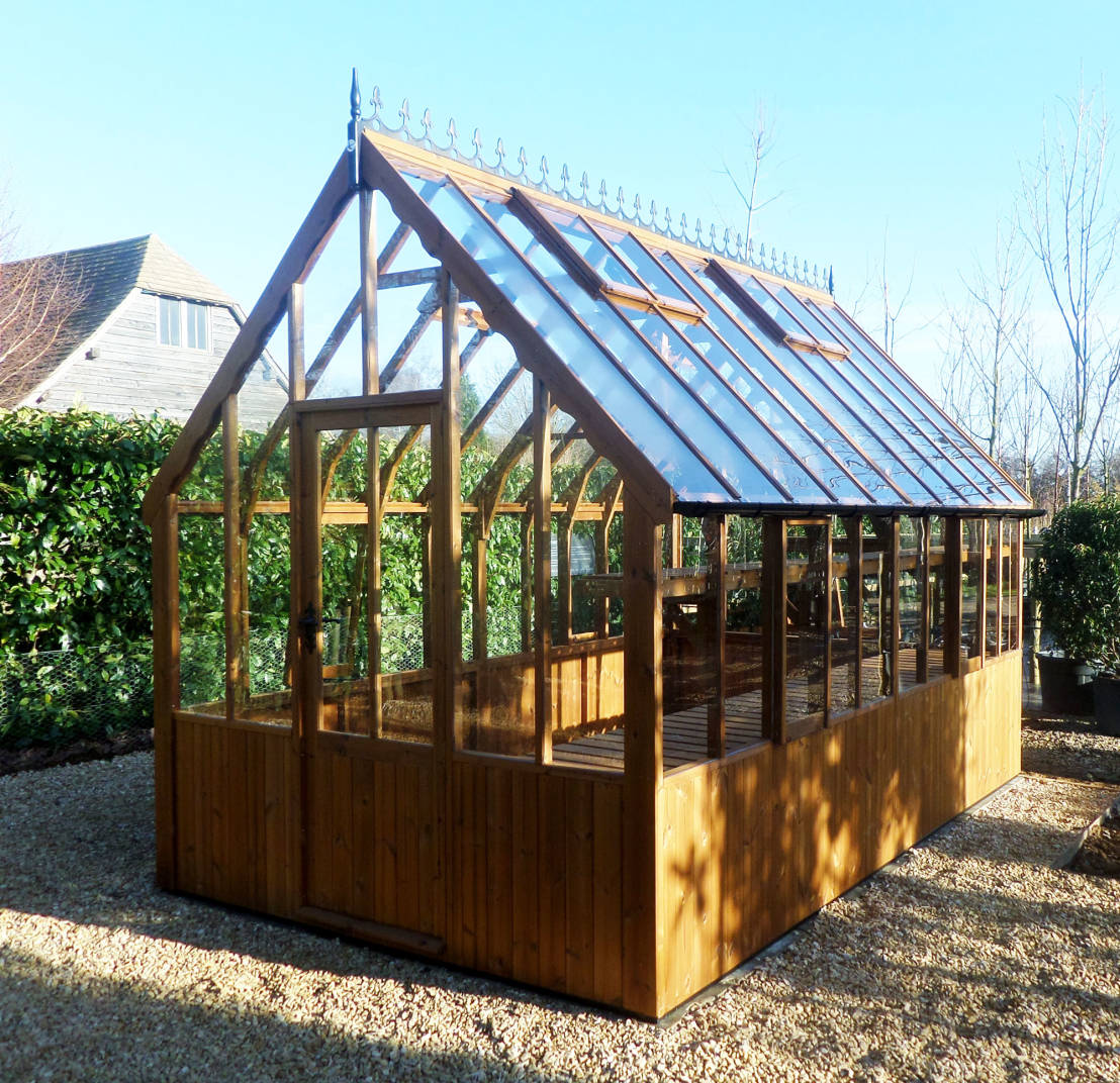 Easy steps to build the perfect greenhouse for Build a victorian greenhouse