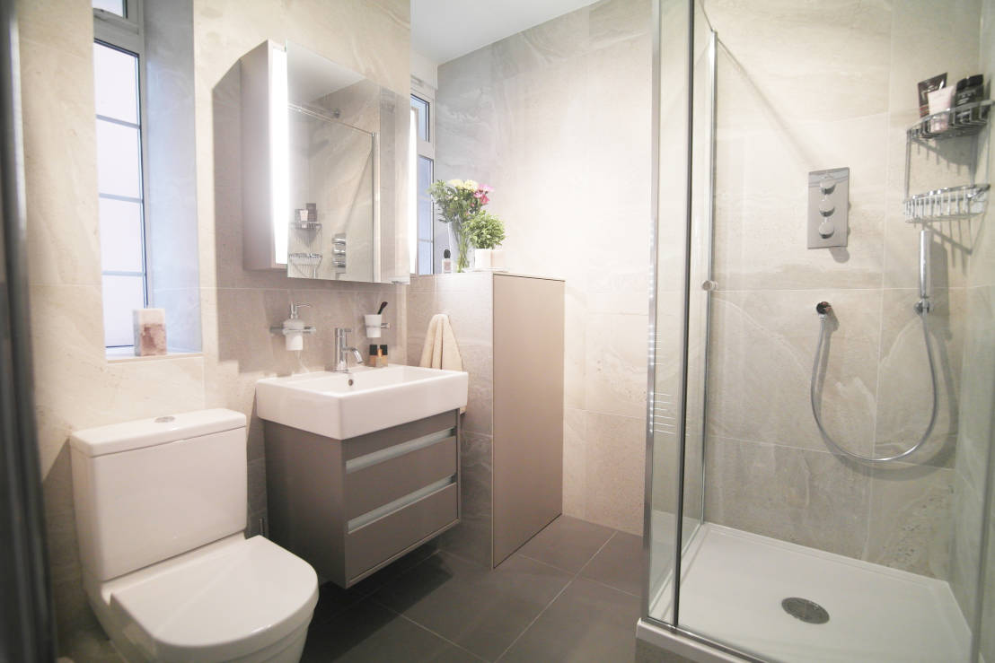 8 Avoidable Small Bathroom Decorating Mistakes