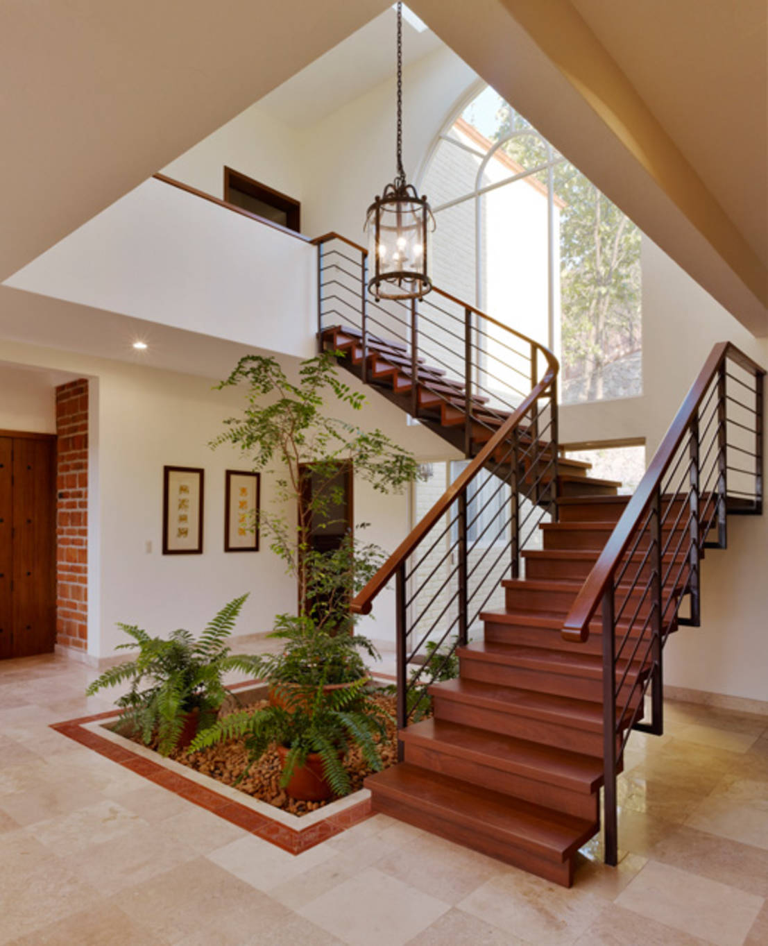 9 ideas para decorar tu escalera con un mini jard n - Escaleras para jardin ...